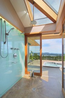 Green and Clean: Ecofriendly Tub and Shower Surrounds