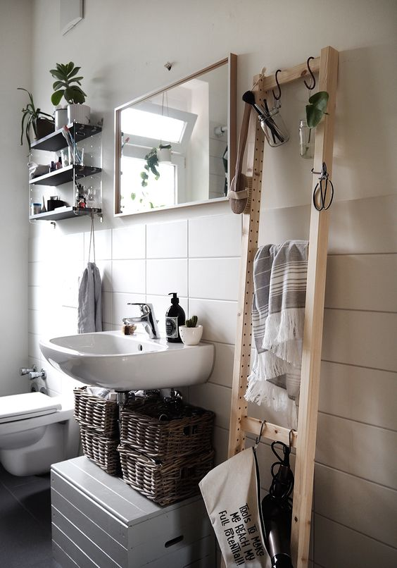 affordable DIY for the bathroom
